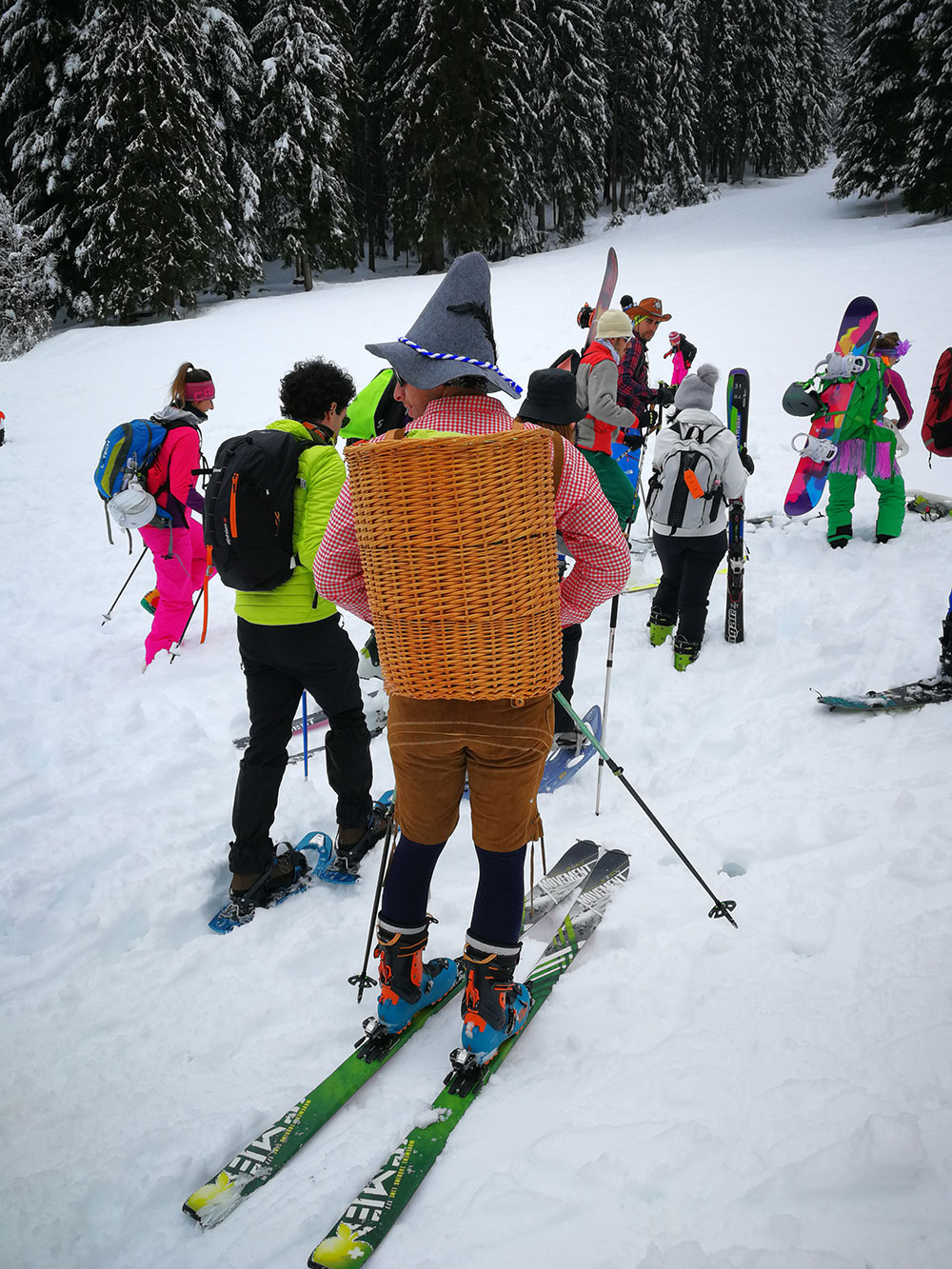 vodala ski trash pary