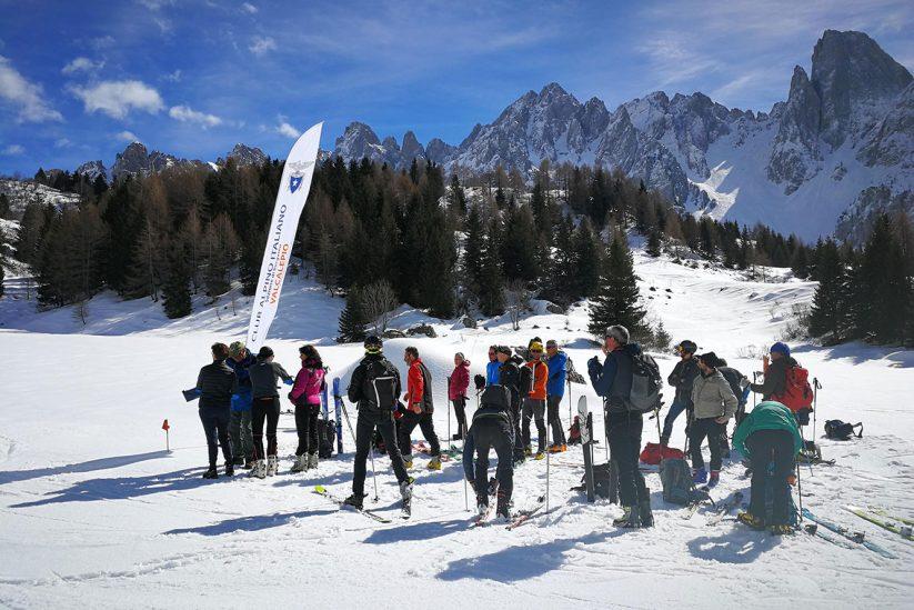 """CAI Valcalepio, la """"solita"""" gara di sci alpinismo."""