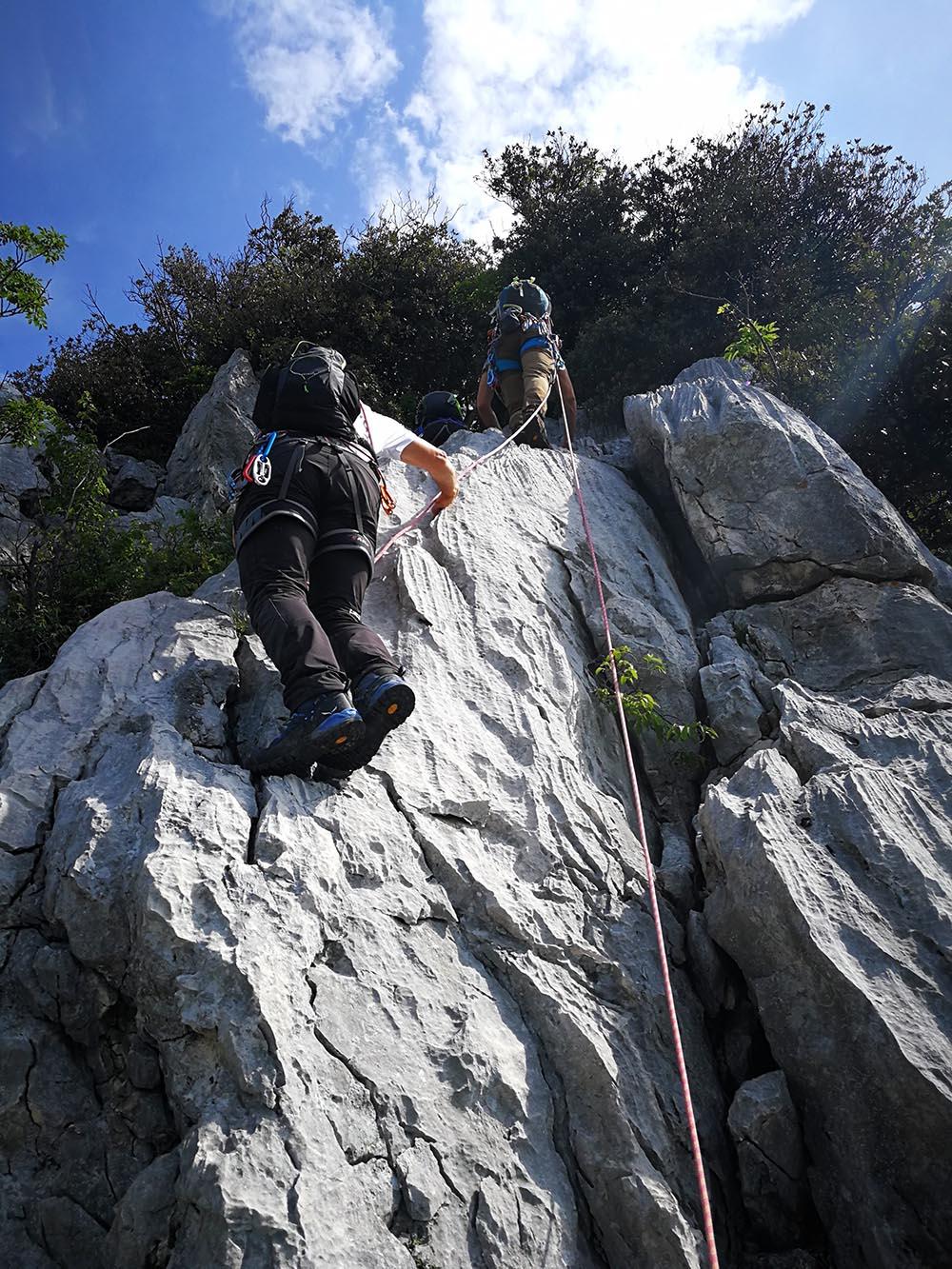 escursionisti esperti creste gaino