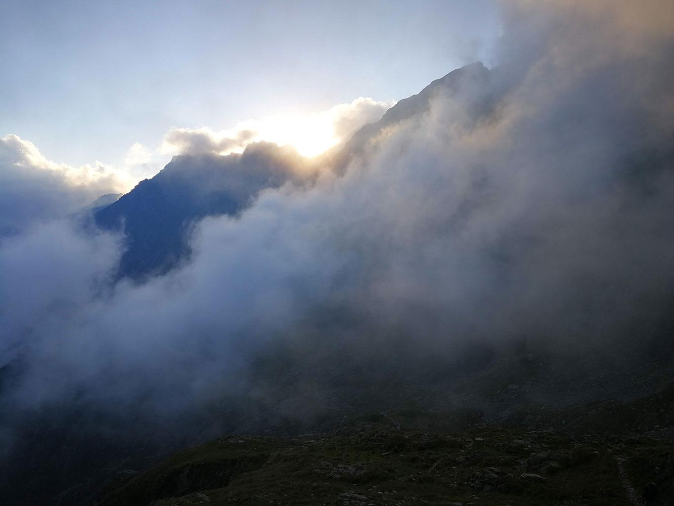Diavolo e inferno di nuvole