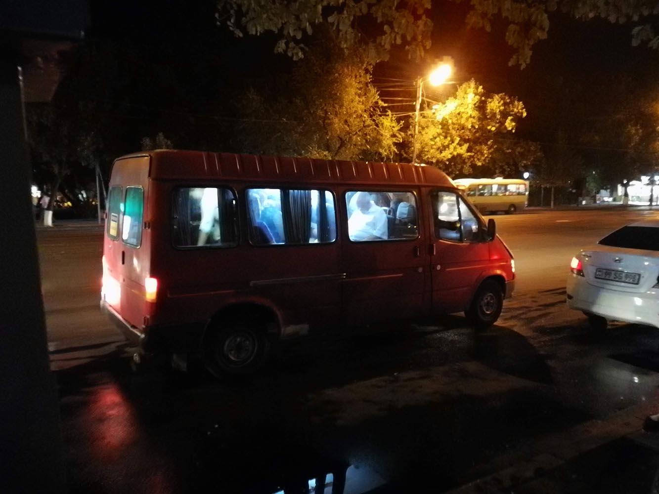 Viaggiare in Armenia con Marshrutka minivan
