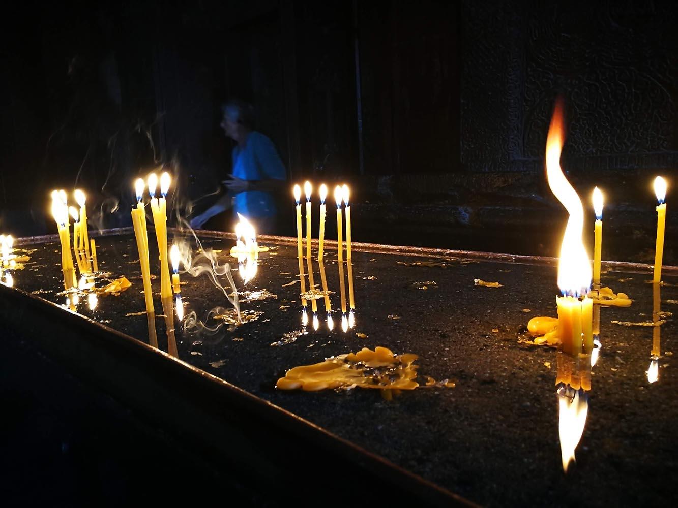 candele al monastero