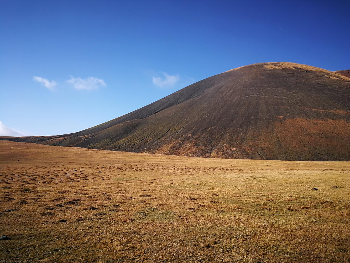 Azhdahak geghama montagne armenia